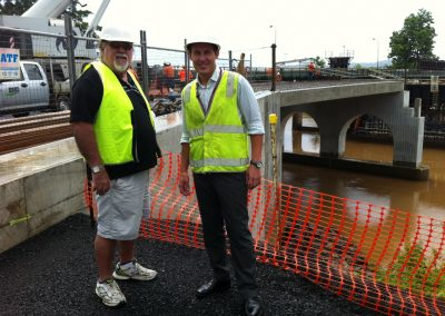 Curtis Pitt inspects progress of the Jubilee Bridge with Cr Ian Rule